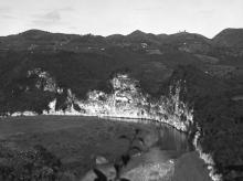 Die zentrale Region von Puerto Rico, wo zuerst durch die Spanier im 17. Jahrhundert Bergbau betrieben wurde; Foto von L.Ron Hubbard.