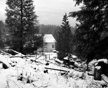 """L.Ron Hubbards Häuschen in Port Orchard, Washington, wo er im Jahre 1938 """"Excalibur"""" schrieb; Foto von L.Ron Hubbard."""